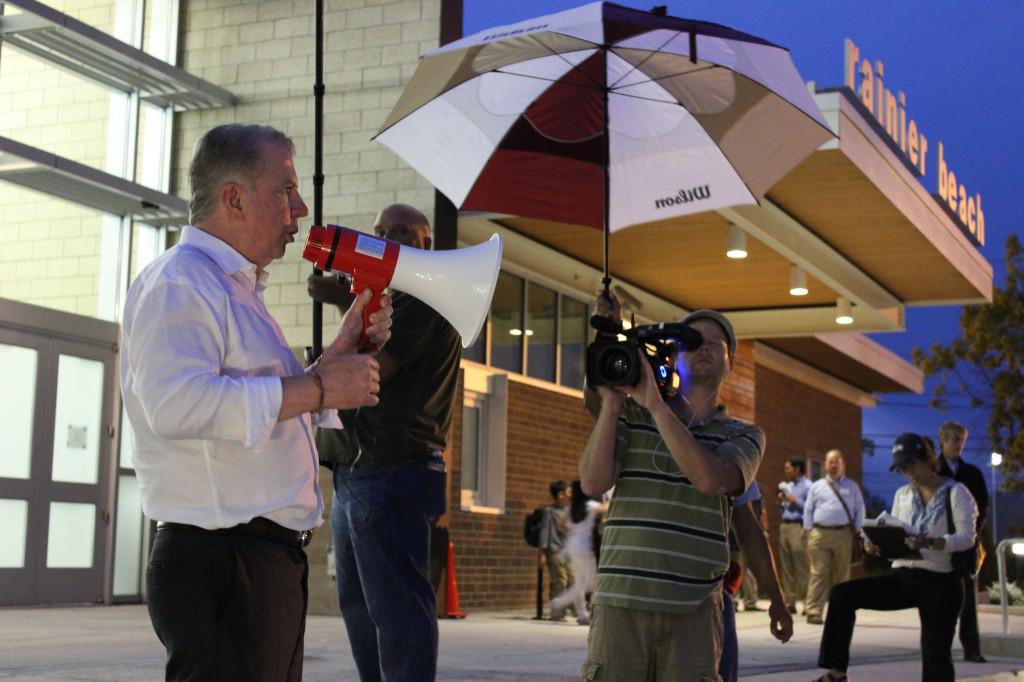 Seattle Mayor Ed Murray addresses South Seattle residents at a Find It, Fix It Walk in Rainier Beach