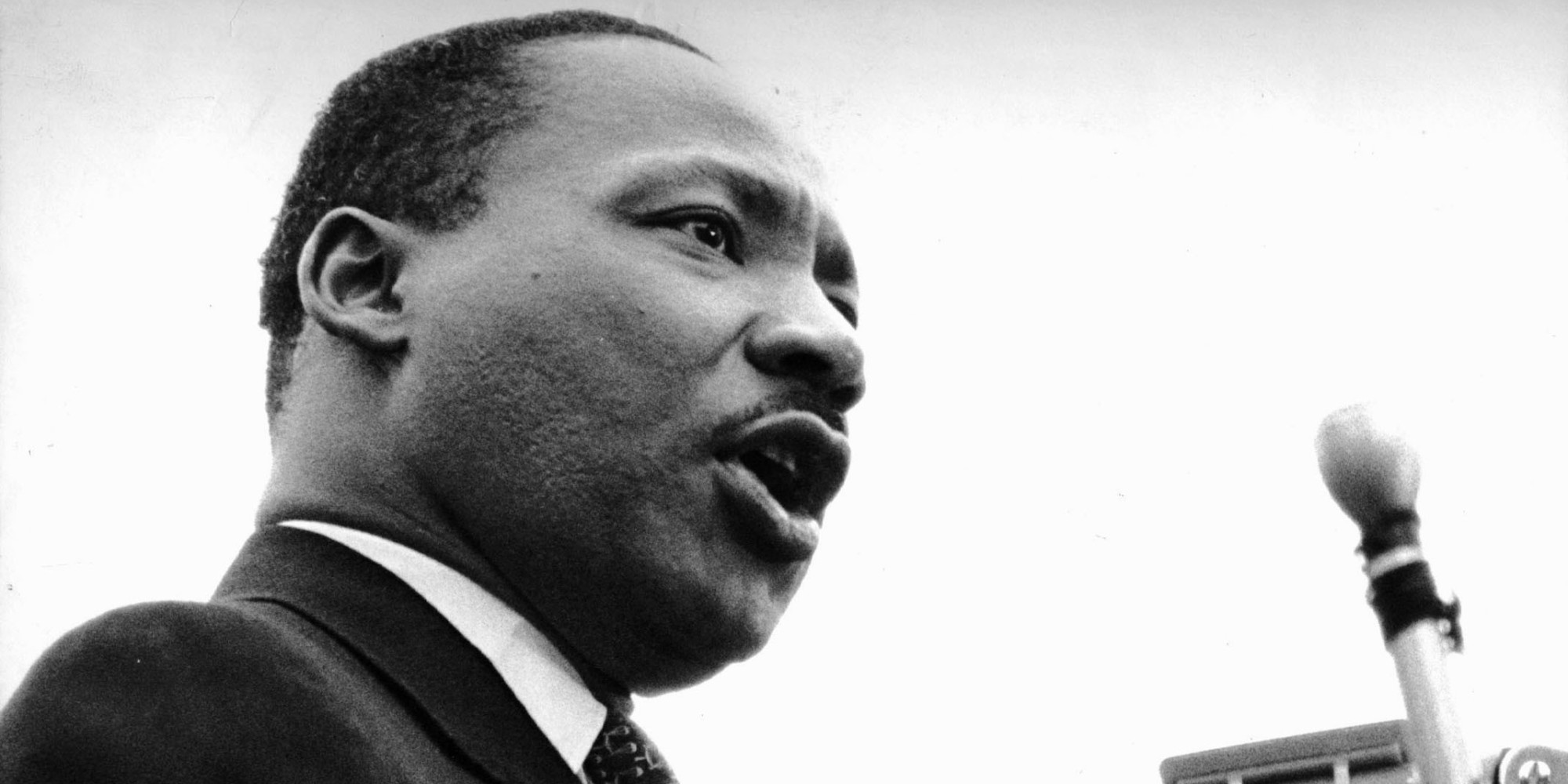 At United Nations Plaza, the Rev. Dr. Martin Luther King Jr. told an estimated 125,000 peace marchers that the United States should end the bombing of North Vietnam