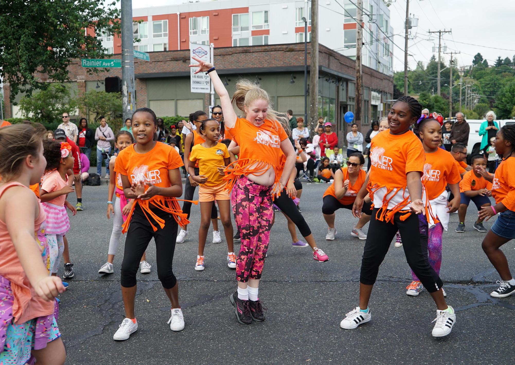 Heritage Parade 10a-Rainier Dance 2-1
