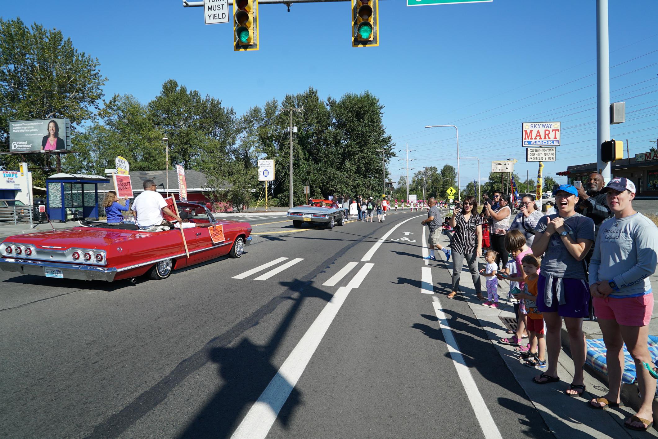 Skyway Parade 15a