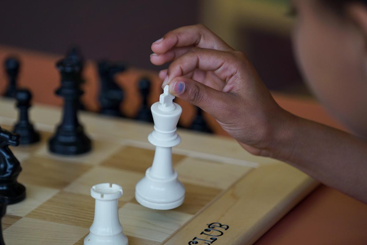 _chess -kids vs cops 17 bishop-1