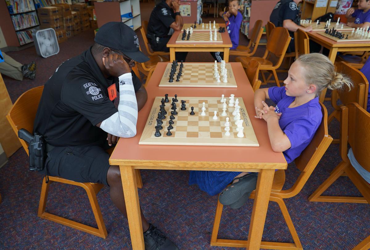 _chess -kids vs cops- Officier Fason vs 22-1